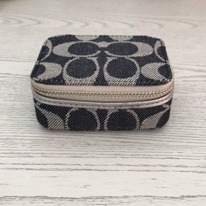 Coach- denim signature travel pill case